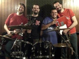 Integrantes da Castigo Elétrico, que recebeu a equipe do Palco Alternativo em ensaio da banda